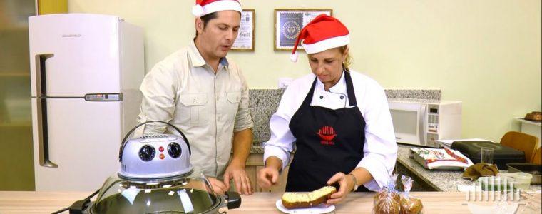Receita de panetone salgado preparada pela Nutrichef Tania de Paula assada na Wok Grill