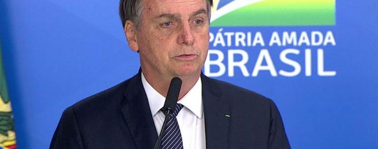 Bolsonaro assina decreto que acaba com o horário de verão